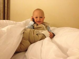 Leo am Telefon