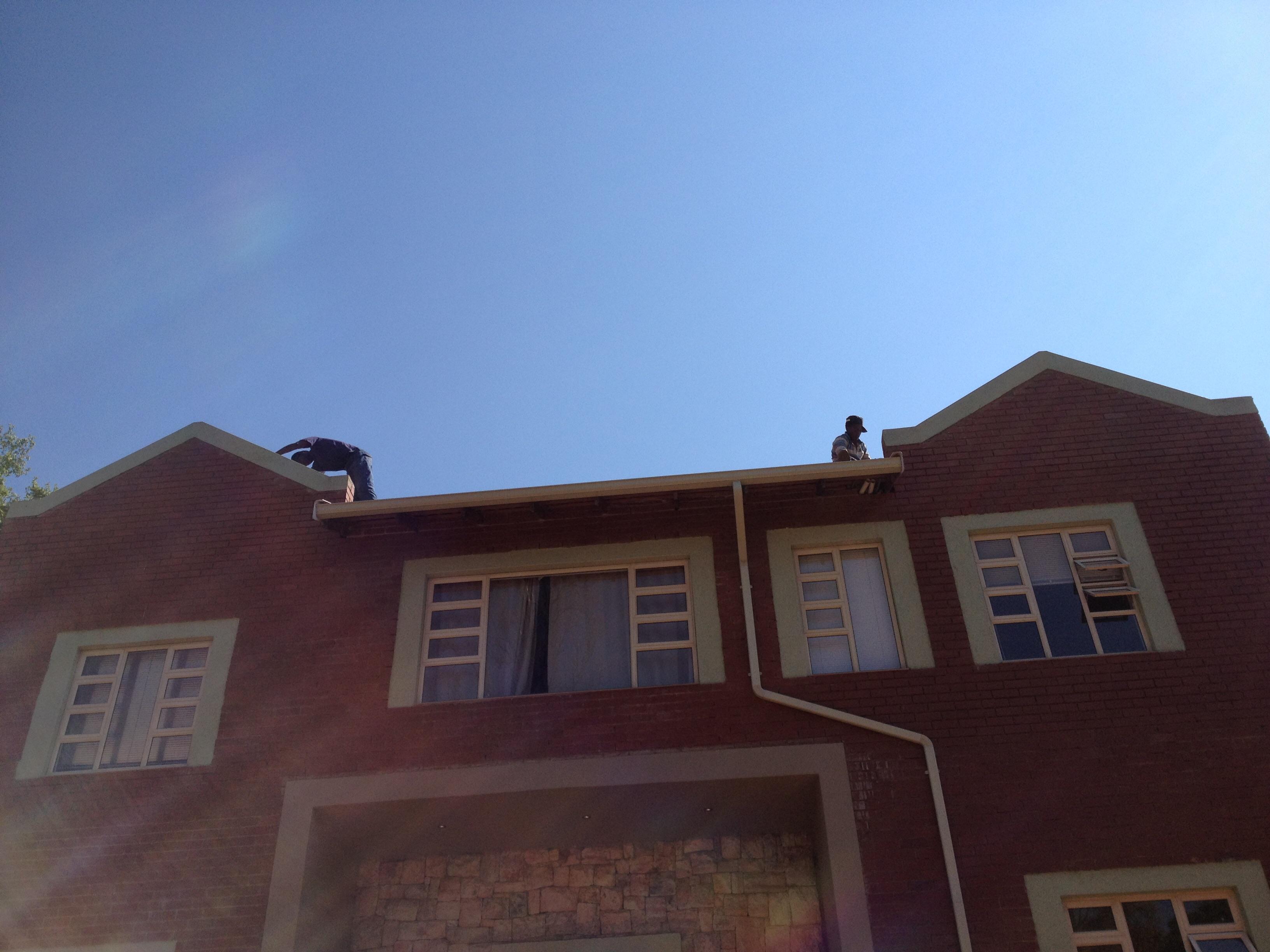 immer rger mit den handwerkern lindfelds in south africa. Black Bedroom Furniture Sets. Home Design Ideas